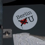Aufkleber Berlin does not love you